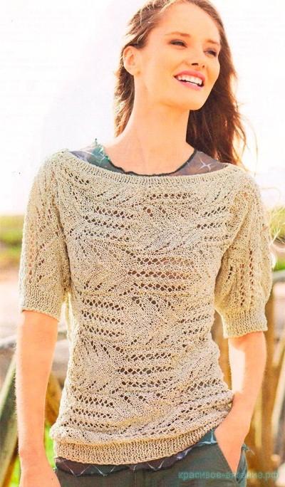Пуловер спицами, связанный поперек