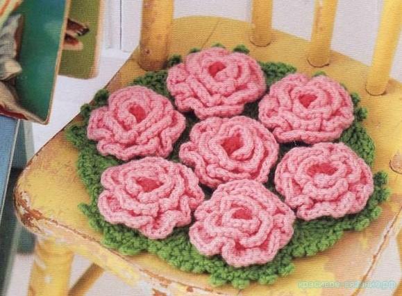 Коврик-салфетка с розами