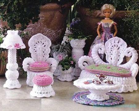 Мебель для куклы крючком