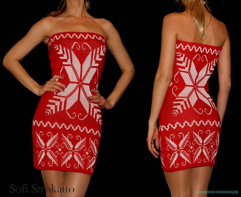 Вязаное платье со снежинками