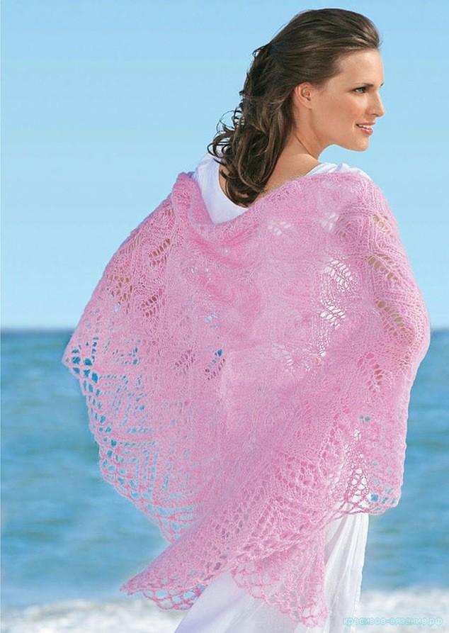 Розовая шаль спицами