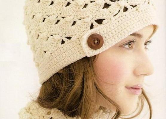 Вязаная шапка на осень – весну