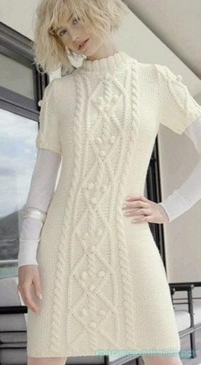 Белое платье с косами