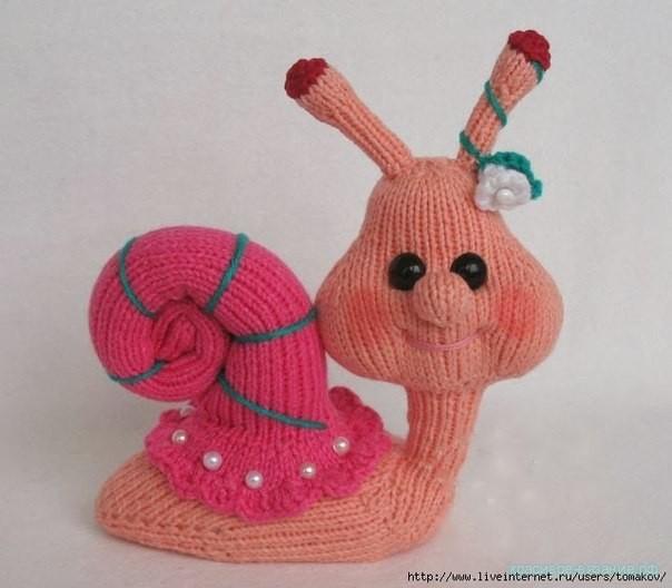 Вязание спицами игрушек. Улитка спицами.