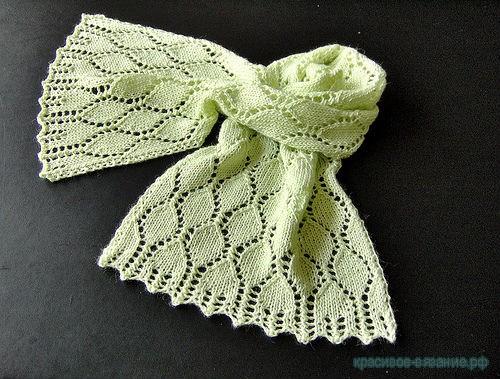 вяжем шарф спицами