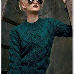 стильный свитер спицами